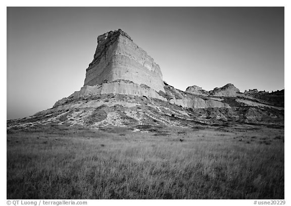 Scotts Bluff at sunrise. Scotts Bluff National Monument. USA (black and white)
