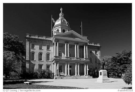 New Hampshire state house. Concord, New Hampshire, USA (black and white)