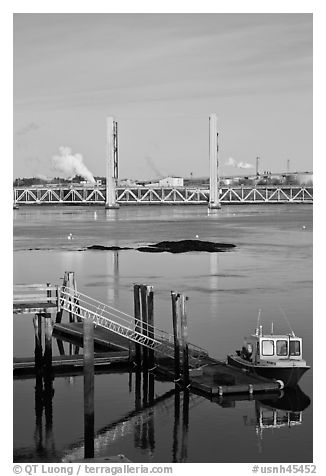 Small baot Bridges over Portsmouth river estuary. Portsmouth, New Hampshire, USA