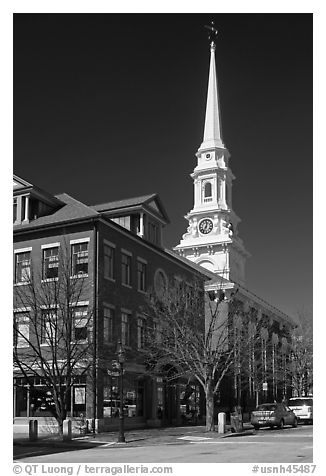 Street and white steepled church. Portsmouth, New Hampshire, USA (black and white)