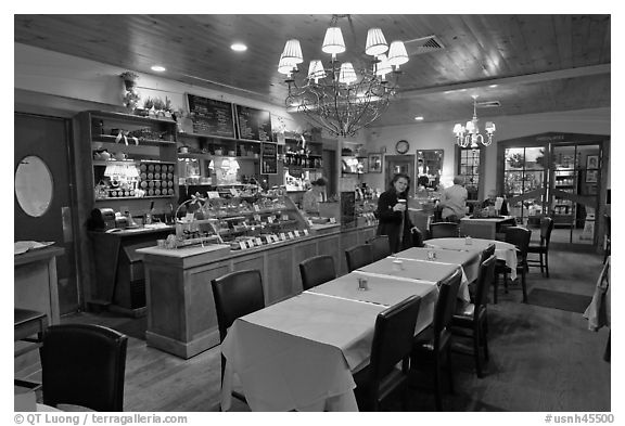 576 x 393 jpeg 45kBRestaurant
