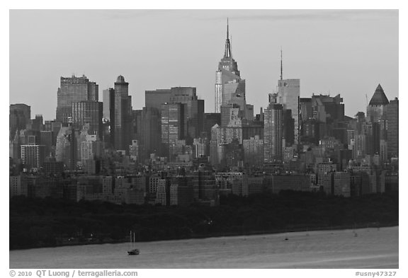 new york skyline black and white. New York skyline