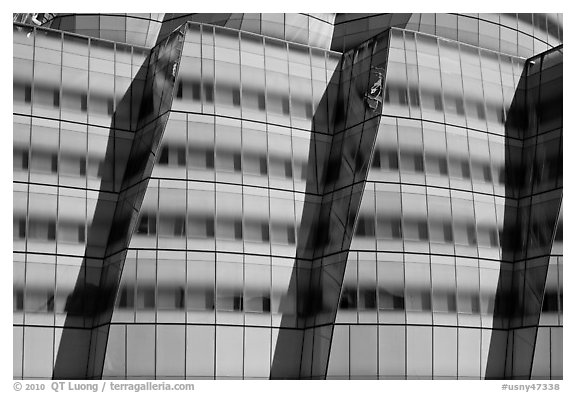 Facade detail, IAC building. NYC, New York, USA (black and white)