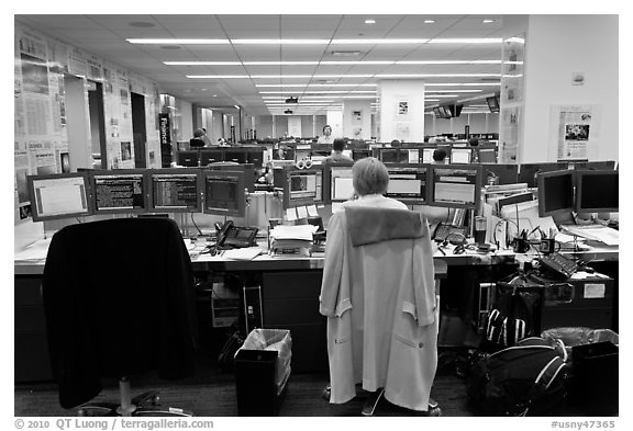 Newsroom with open floor plan, One Beacon Court. NYC, New York, USA (black and white)
