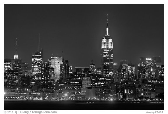Mid-town Manhattan skyline by night. NYC, New York, USA (black and white)