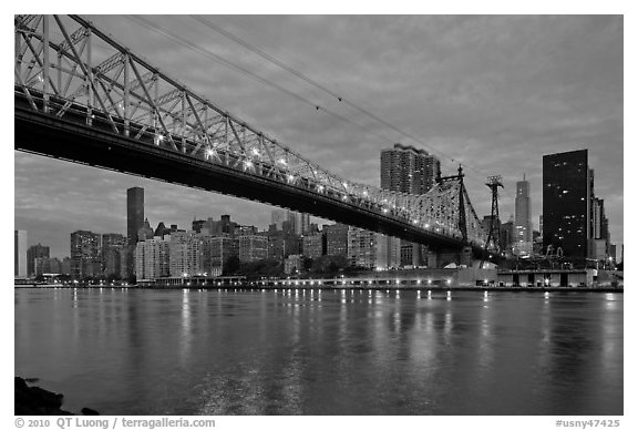 Queensboro bridge and Manhattan at dawn. NYC, New York, USA (black and white)