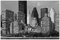 Manhattan skyline from Roosevelt Island, morning. NYC, New York, USA (black and white)