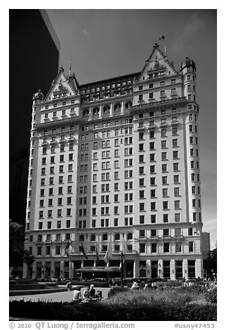 Plaza Hotel. NYC, New York, USA (black and white)