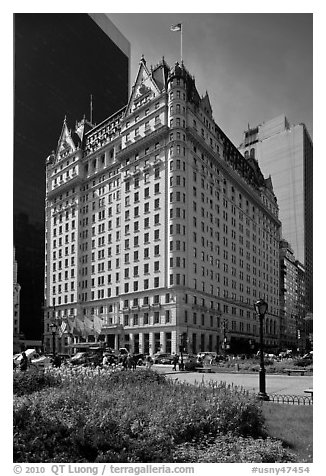 Grand Army Plaza and Plaza Hotel. NYC, New York, USA (black and white)
