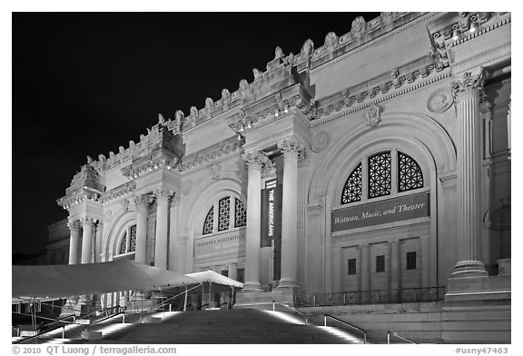 Metropolitan Museum at night. NYC, New York, USA (black and white)