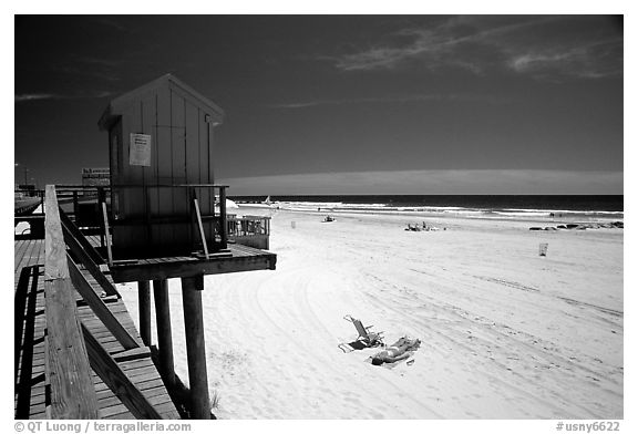 Sandy beach, Long Beach. Long Island, New York, USA
