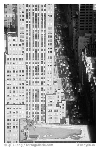 Fifth Avenue seen from the Empire State building. NYC, New York, USA (black and white)