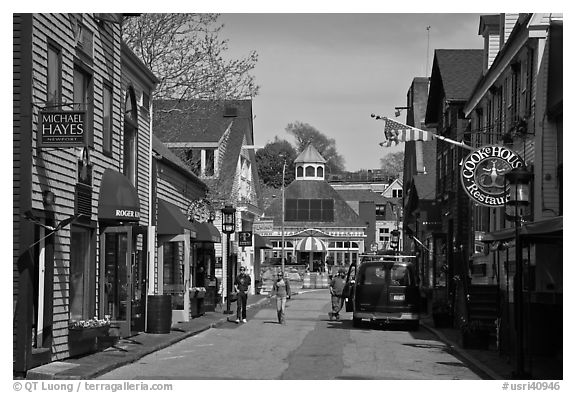 Area of shops near harbor. Newport, Rhode Island, USA (black and white)