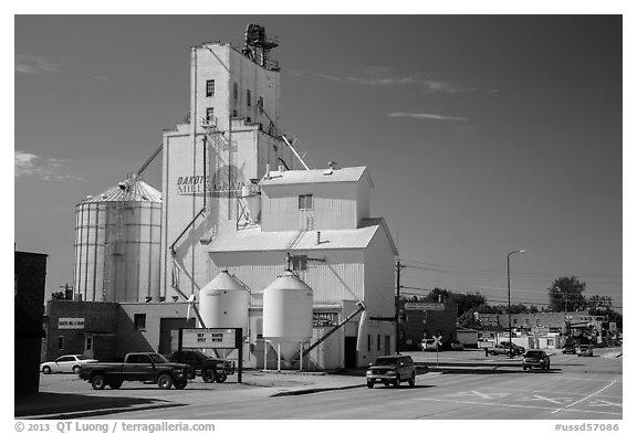 Main street with grain silo, Belle Fourche. South Dakota, USA (black and white)