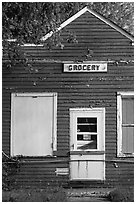 Old grocery. Wisconsin, USA ( black and white)