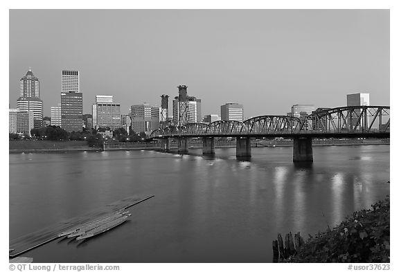 Williamette River and Portland skyline at night. Portland, Oregon, USA