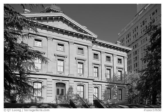 Pioneer Courthouse. Portland, Oregon, USA (black and white)