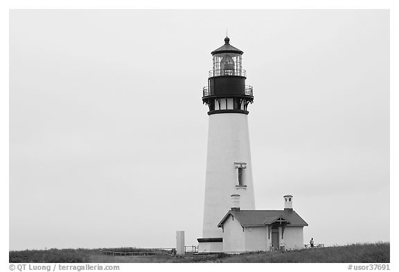Lighthouse at Yaquina Head. Newport, Oregon, USA (black and white)