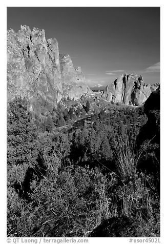 River valley and cliffs. Smith Rock State Park, Oregon, USA (black and white)