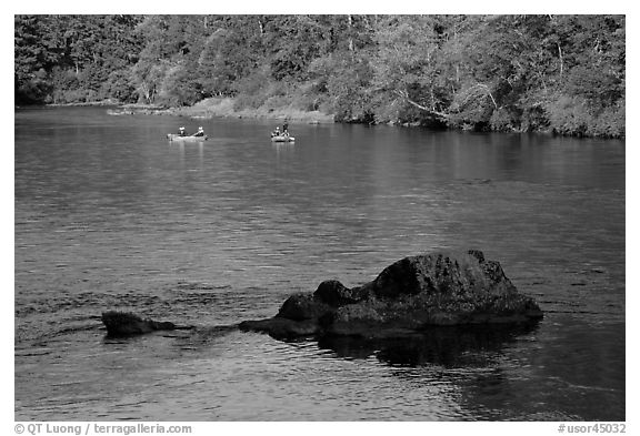 McKenzie river and rafters, Ben and Kay Doris Park. Oregon, USA (black and white)