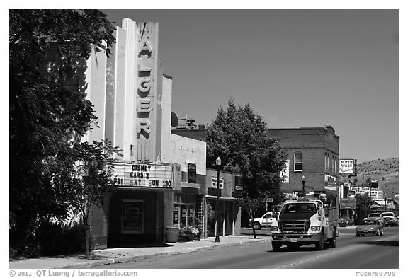 Main Street, Lakeview. Oregon, USA (black and white)