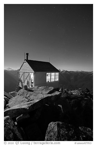 Hidden Lake Lookout by night, Mount Baker Glacier Snoqualmie National Forest. Washington (black and white)
