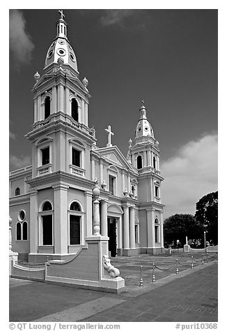 Cathedral Nuestra Senora de Guadalupe, Ponce. Puerto Rico (black and white)