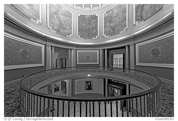 Black And White Picture P O Rotonda Below The Dome With Paintings Of Historical Events Montgomery Alabama Usa