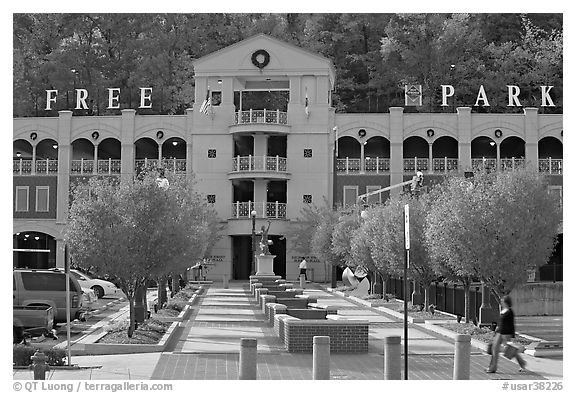 Parking structure and fall colors. Hot Springs, Arkansas, USA (black and white)