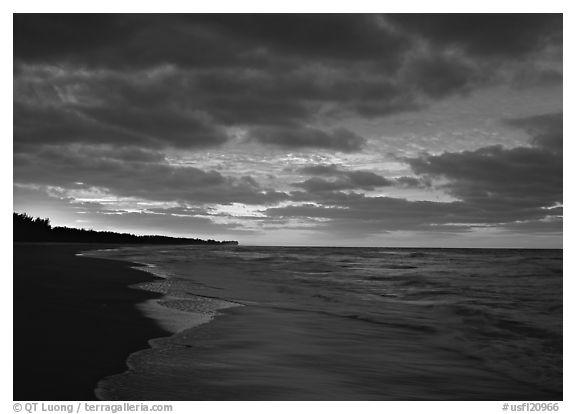 black and white beach photos. USA (lack and white)