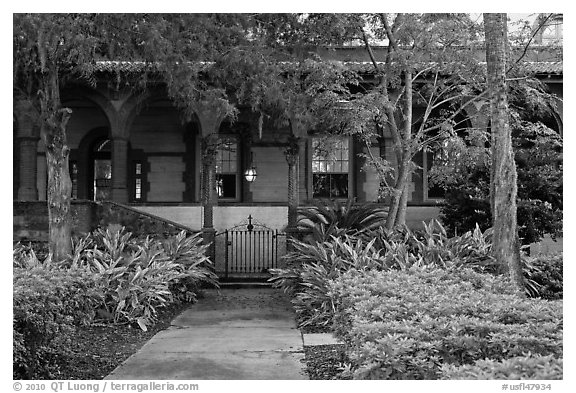 Lush gardens, Flagler College. St Augustine, Florida, USA (black and white)