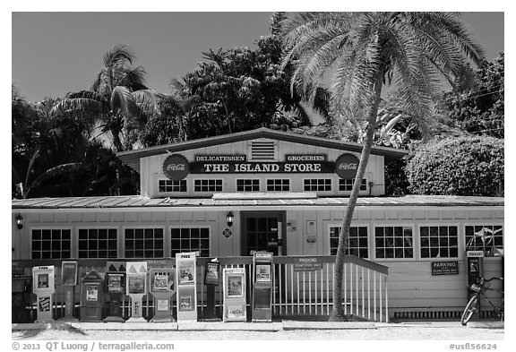 General store, Captiva Island. Florida, USA (black and white)