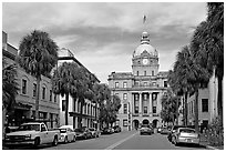Street and Savannah City Hall. Savannah, Georgia, USA (black and white)