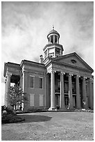 Old courthouse museum. Vicksburg, Mississippi, USA (black and white)