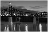 Bridge over the Mississippi river at dusk. Vicksburg, Mississippi, USA (black and white)