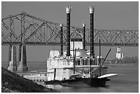 Paddle steamer and bridge. Natchez, Mississippi, USA (black and white)