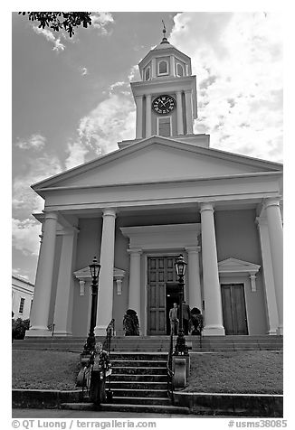 First Presbyterian Church. Natchez, Mississippi, USA (black and white)