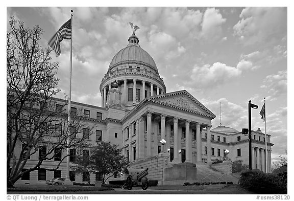 New Mississippi Capitol, sunset. Jackson, Mississippi, USA (black and white)