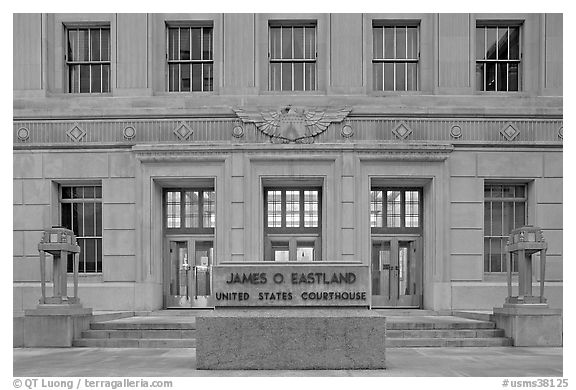 Art deco federal courthouse at dusk. Jackson, Mississippi, USA (black and white)