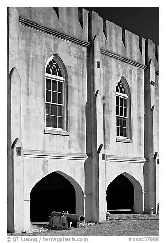 Beaufort Arsenal and cannon. Beaufort, South Carolina, USA (black and white)
