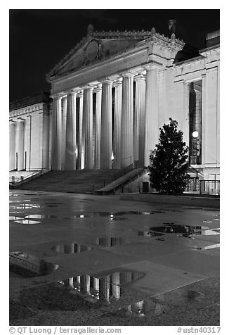 War memorial and reflections by night. Nashville, Tennessee, USA