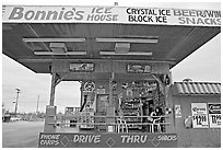 Drive-in convenience store. Arizona, USA (black and white)