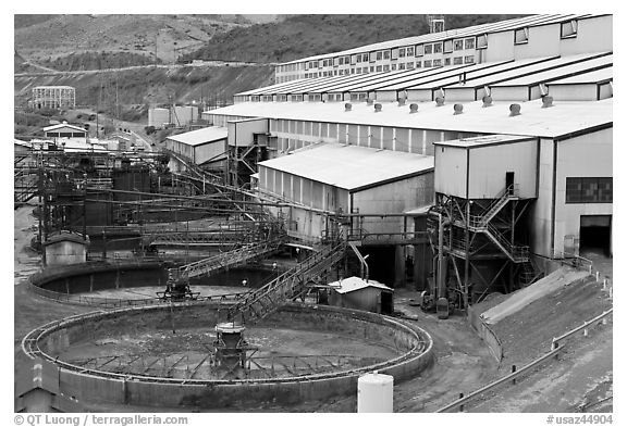 Copper Concentrator Dirt : Black and white picture photo copper mine concentrator