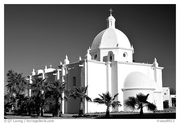 Immaculate Conception Catholic Church, Ajo. Arizona, USA (black and white)