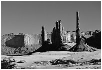 Yei bi Chei and Totem Pole, afternoon. Monument Valley Tribal Park, Navajo Nation, Arizona and Utah, USA ( black and white)