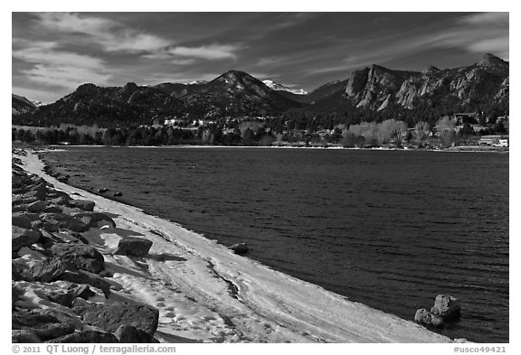 Lake Estes, late winter. Colorado, USA (black and white)