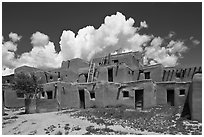 Hlaukwima. Taos, New Mexico, USA ( black and white)