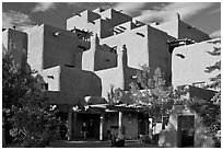 Loreto Inn hotel. Santa Fe, New Mexico, USA ( black and white)