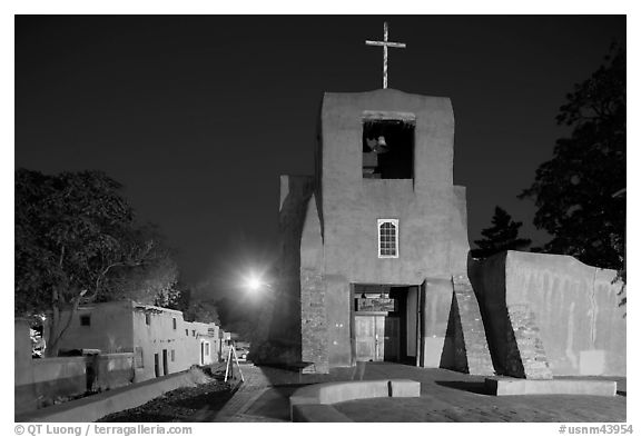 Oldest church and house in the US by night. Santa Fe, New Mexico, USA (black and white)
