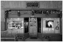 Canyon Road fine art gallery storefront,. Santa Fe, New Mexico, USA (black and white)